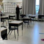 مدارس آلبرتا به هزاران دانش آموز توصیه می کنند که براساس اطلاعیه های غیر رسمی COVID ، منزوی شوند